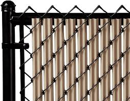 Amazon Com Ridged Slats Slat Depot Single Wall Bottom Locking Privacy Slat For 3 4 5 6 7 And 8 Chain Link Fence 4ft Beige Garden Outdoor