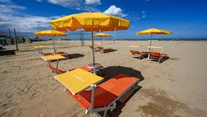 Bonus vacanze, scende tetto reddito: Isee fino a 40mila euro ...