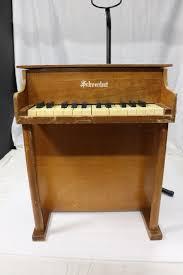 schoenhut 25 key vine toy piano