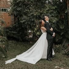 37 romantic first look wedding photos