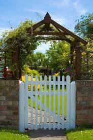 How To Build Long Lasting Gates Mother Earth News
