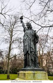 statue liberty luxembourg garden paris