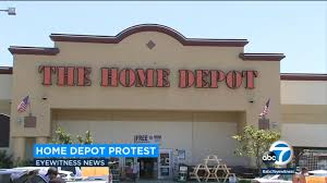 Home Depot Bans Glendora Couple For 3 Years After Staging Protest Against Chain S Corporate Management Abc7 Los Angeles