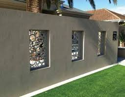 25 Best Concrete Fencing Design Ideas For Backyard Remodeling Plan The Material Of A Fence Holds An Important Role When Y Hauswand Hintergarten Moderner Zaun