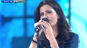 Laura Torrisi emoziona con il canto - Foto Tgcom24