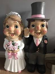 giant bride and groom wedding gnomes