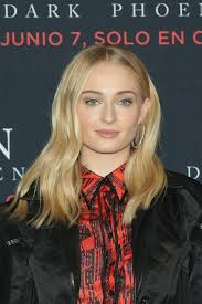 sophie turner says she lost her period