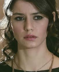 احدث الصور بيرين سات اجمل ملكات الدراما التركيه مشاعر اشتياق