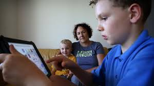 Deakin University Global Obesity Centre Finds Kids Being Bombarded With Junk Food On Social Media Kidsnews