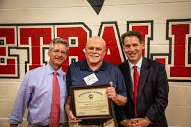 """South Kent School ™ on Twitter: """"Last night, The Robert and Anna MacLean  Distinguished Service Award was presented to alumnus Duane Stone, Class of  1969 #sksalumni #sksnation #HeWill… https://t.co/NJINdOxm6x"""""""