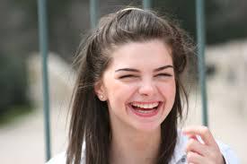 صور بنات بتضحك اجمل صورة بنت مبهجة حبيبي