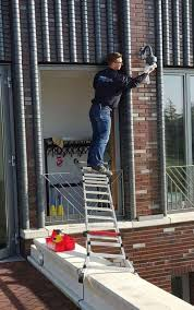 Changing a Light Bulb Can Be a Little Dangerous. | Safety fail, Safety  first, Workplace safety