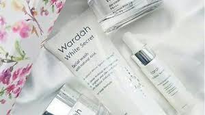 memakai skincare wardah white secret