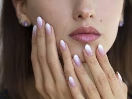 Manicure Ombre Czyli Cieniowany Wzor Na Paznokciach Jak Go