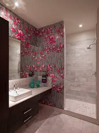 free wallpaper in bathroom