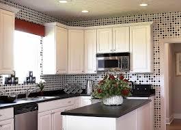 زخرفة الجدار في المطبخ 67 صور أفضل طريقة لترتيب المساحة بالقرب