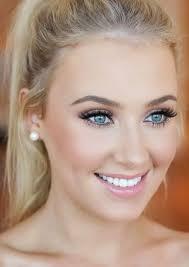 natural makeup for blue eyes
