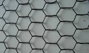 Black Vinyl Coated Chicken Wire Fencing Size And Characters