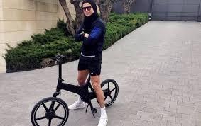 Hollywood Gossip: Ronaldo's penchant for bright shorts - Entertainment -  Celebrity Gossip - Emirates24 7