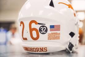 Look Texas To Honor Rb Cedric Benson With Helmet Sticker During 2019 Season
