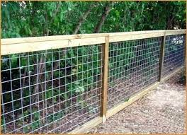 Chicken Wire Fence For Garden Chicken Wire Fence How To Install Chicken Wire Fence Around Garden Chicken Wire Fence Diy Dog Fence Backyard Fences