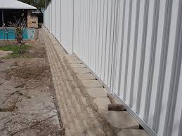 Australian Retaining Walls Windsor Blocks With Colorbond Fence Surfers Australian Retaining Walls