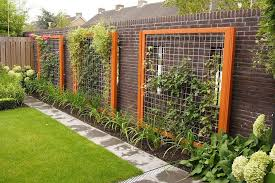 Do You Love To Garden Well This Doesn T Surprise Us One Bit A Lot Of Diy Fans Also Have Green Thumbs Her Diy Garden Trellis Garden Trellis Unique Gardens