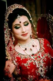 beautiful and pretty bridal makeup