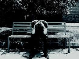 صور حزينة لرجل