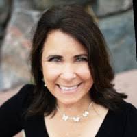Robin Johnson - Senior Graphic Designer - Medtronic | LinkedIn