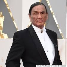 Duane Howard, 'The Revenant' Star, Wears Haida Design To The Oscars |  HuffPost Canada