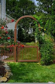 Illusions Pvc Vinyl Fence Photo Gallery Illusions Fence Vinyl Fence Panels Outdoor Curb Appeal Backyard Fences