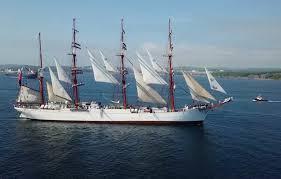 Калининградский барк «Седов» причалил во Владивостоке