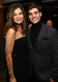 RJ Mitte, Betsy Brandt - RJ Mitte Photos - Premiere Of Netflix's 'El  Camino: A Breaking Bad Movie' - After Party - Zimbio