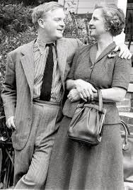 Truman with his aunt, Mary Ida Carter | Capote, Truman capote, Harper lee