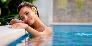 Benefits of Using Chlorine Tablets in Swimming Pools