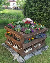 art ideas pallet raised bed with flower