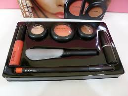 mac cosmetics look in a box face kit