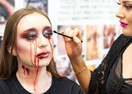 makeup courses cut above academy