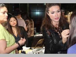 makeup artists viewing work by jentry
