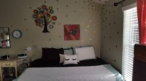 Amazon Com Gold Wall Decal Dots 200 Decals Easy Peel Stick Safe On Walls Paint Removable Metallic Vinyl Gold Wall Decals Polka Dot Decor Round Decor