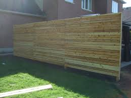 A Custom White Cedar Horizontal Fence Offers Privacy With A Urban Look By Lanark Cedar White Cedar Horizontal Fence Eastern White Cedar