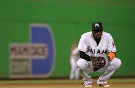 The Miami Marlins Should Resign Shortstop Adeiny Hechavarria
