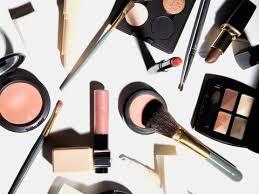 should you wear makeup on a plane