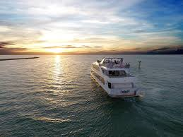 ta bay sunset cruises for a romantic
