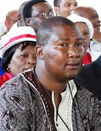 Mandla Mandela launches scathing attack on family