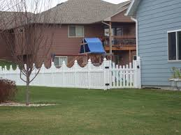 White Vinyl Underscallop Picket Gothic Caps American Fence Company Sioux Falls