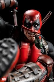 Deadpool Version B 1/4 Scale Statue - Spec Fiction Shop