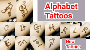 alphabet se mehndi design