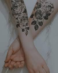 Tatuaz Roza 35 Inspirujacych Wzorow Na Modny Motyw Etatuator Pl